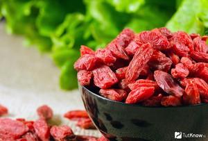 Применение корней дерезы в медицине и кулинарии