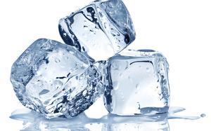 Кипарисовик - для полива можно применять кубики льда